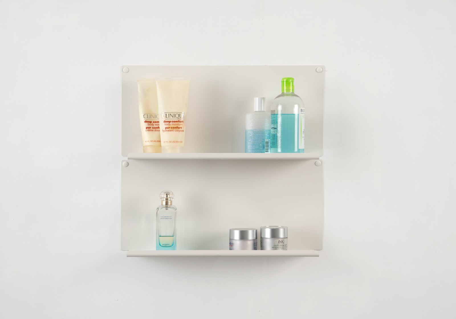 . Bathroom wall shelves  LE    Set of 2