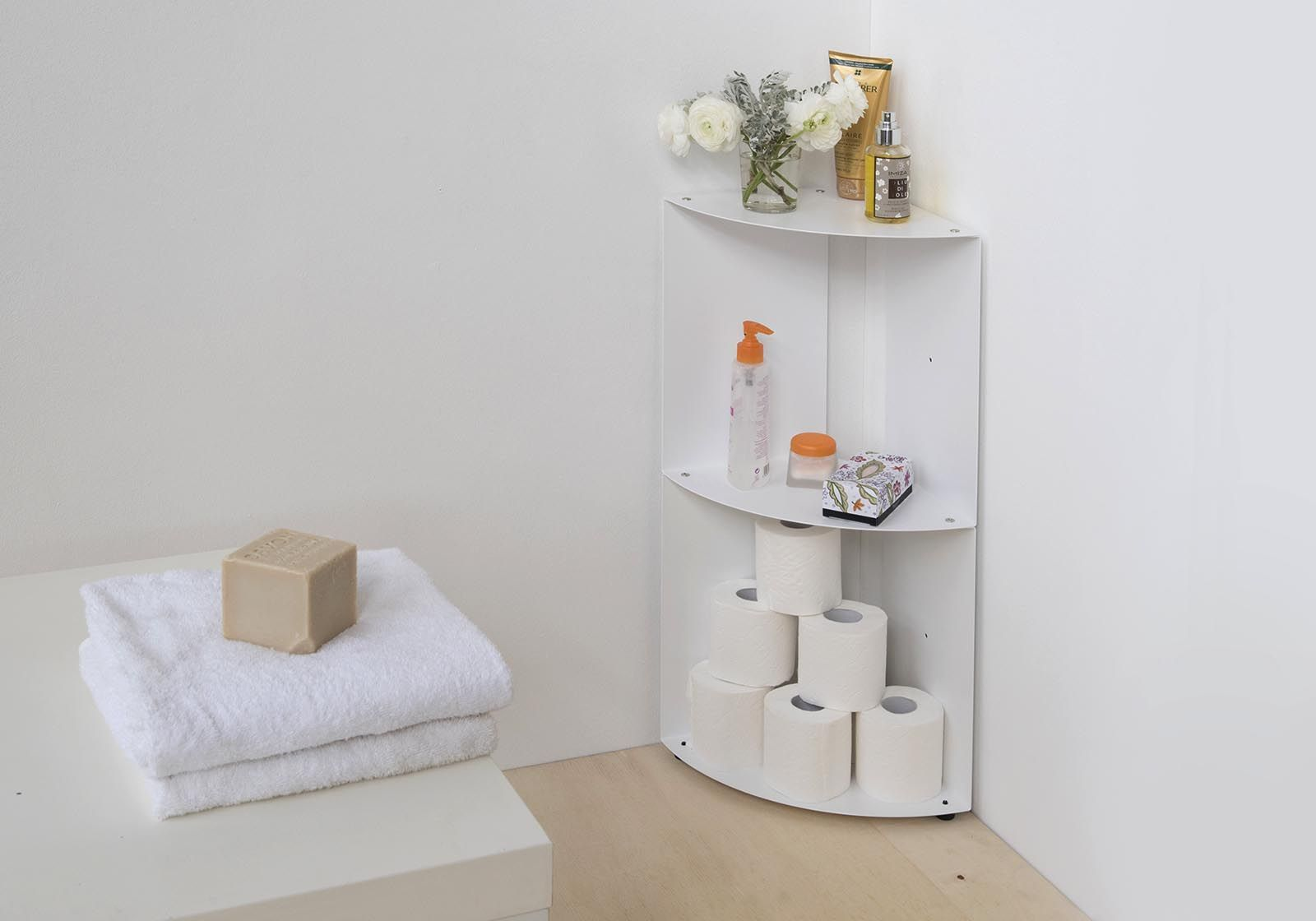 Mensole d'angolo per bagno DANgolo - Acciaio - 25x25x68cm